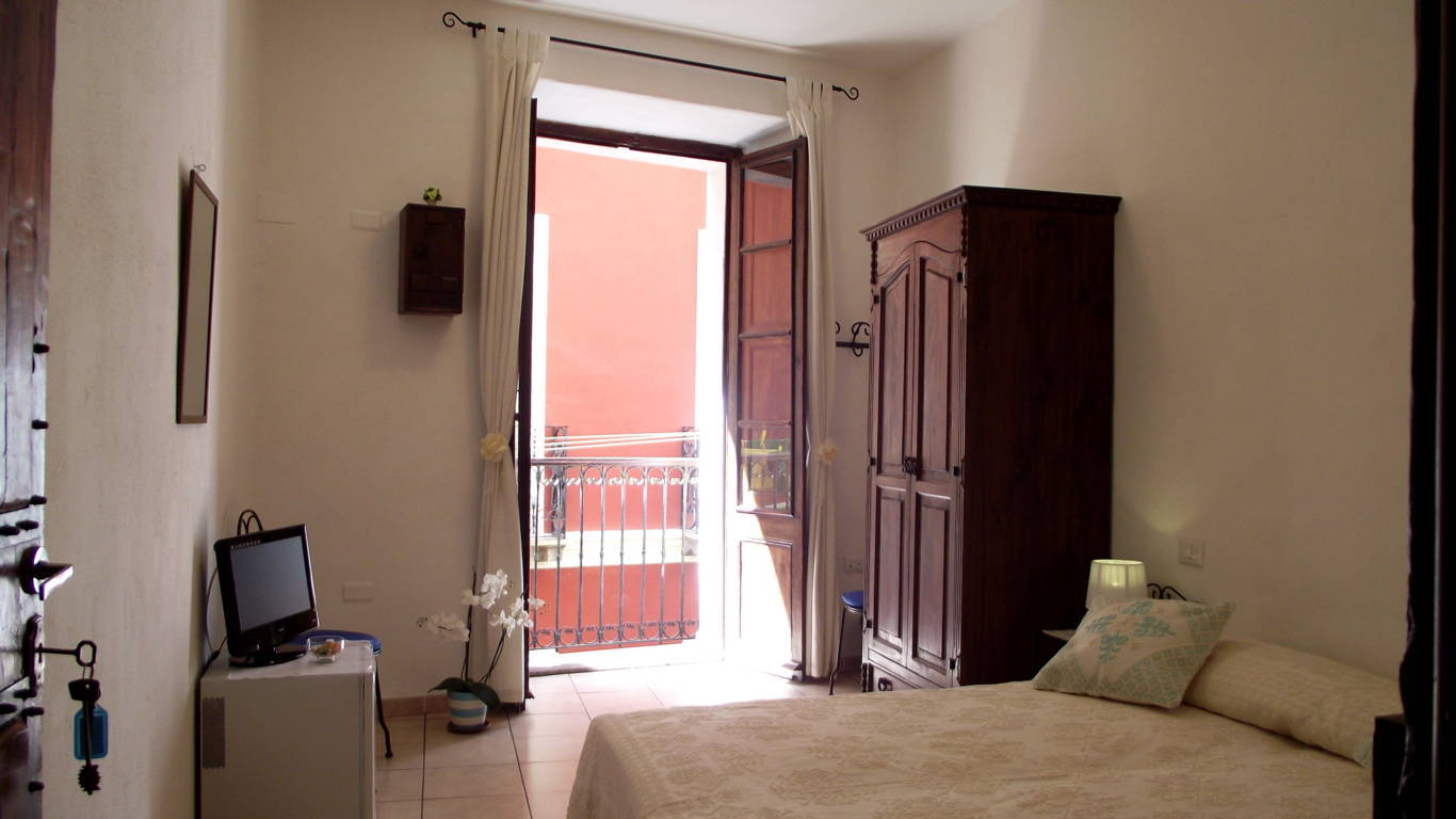 Letto A Castello A Cagliari.B B Cagliari Guest House Castello Quarter In The Historical City